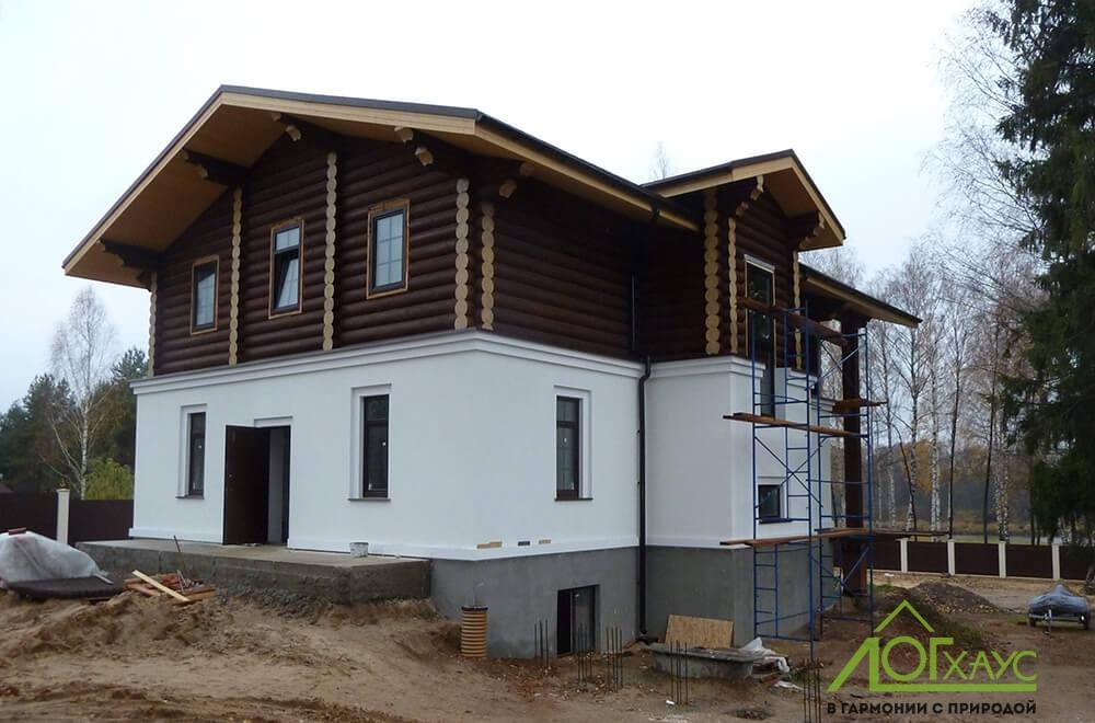 Комбинированный дом шале из кирпича и бревна