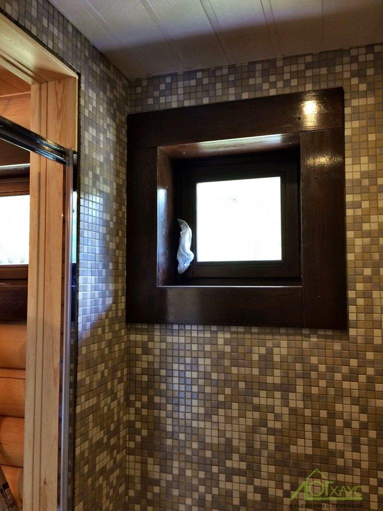 Отделка деревянного окна в бане