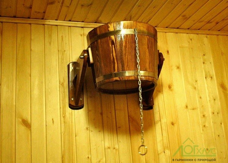 Установка помывочного ведра в душевой бани