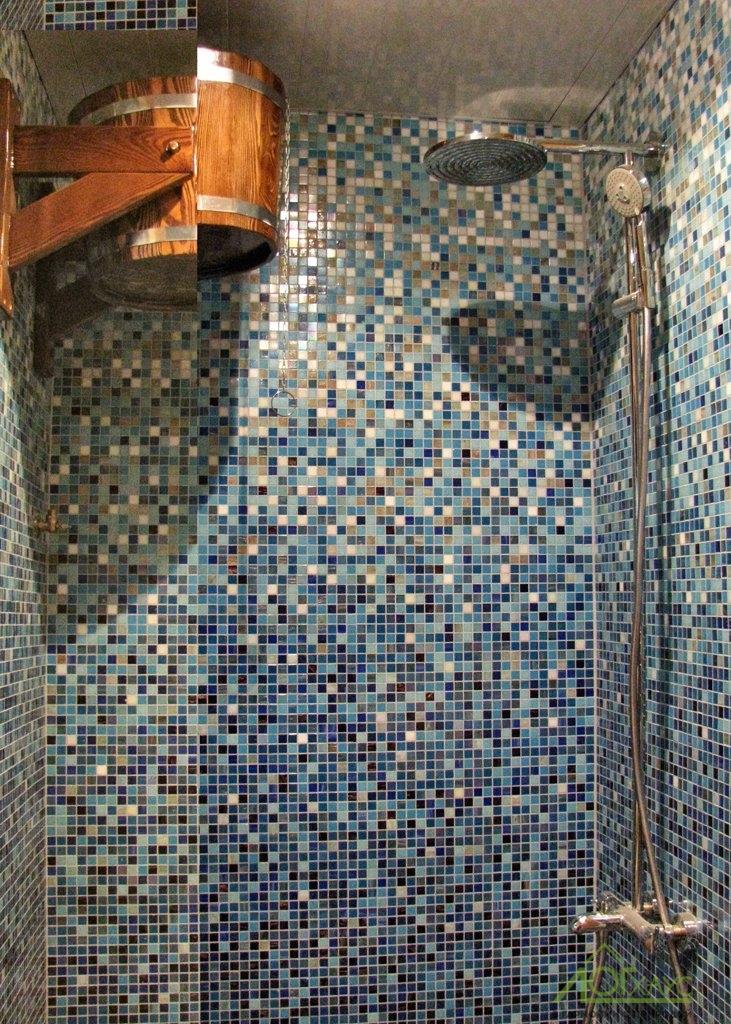 Помывочная в бане из бревна