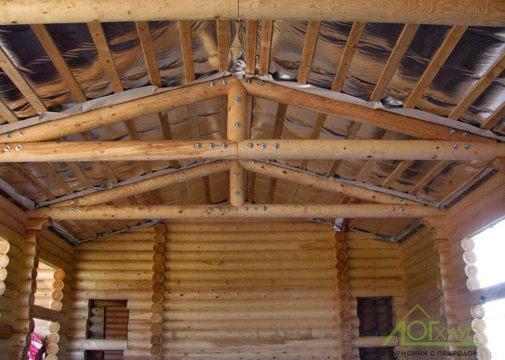 Монтаж потолочных ферм из бревна
