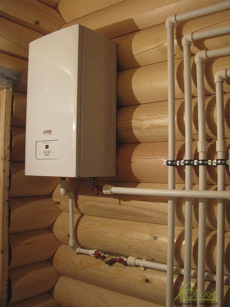 Настенный электрический котел в деревянном доме