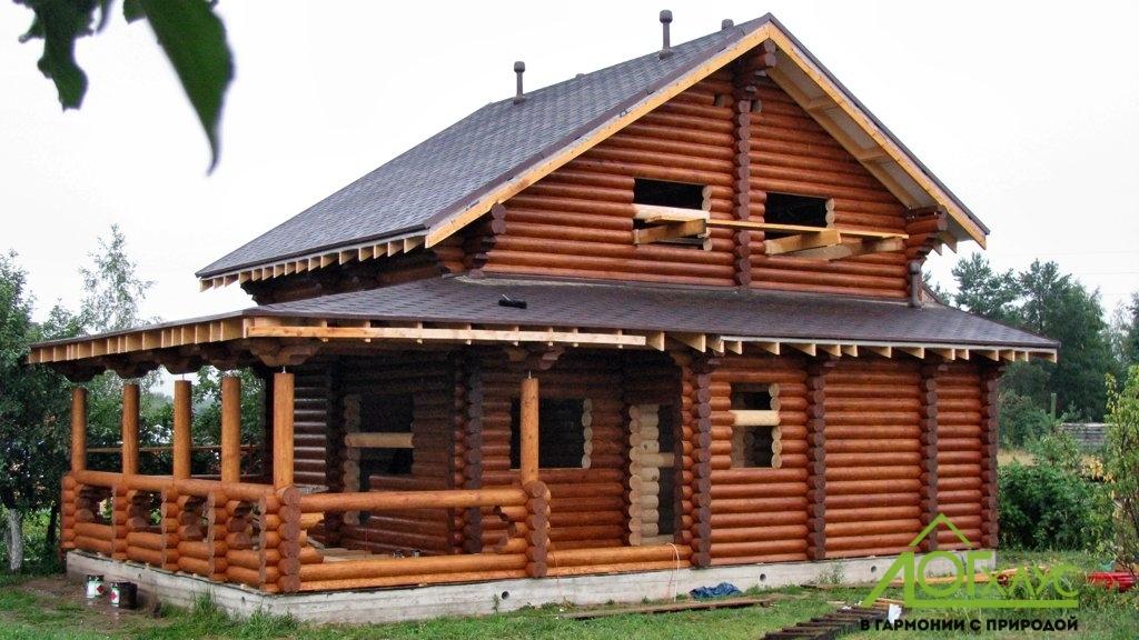Покраска и шлифовка дома из бревна