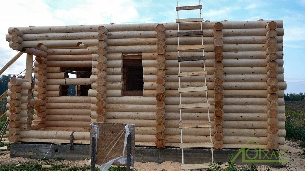 Монтаж сруба бревенчатого дома