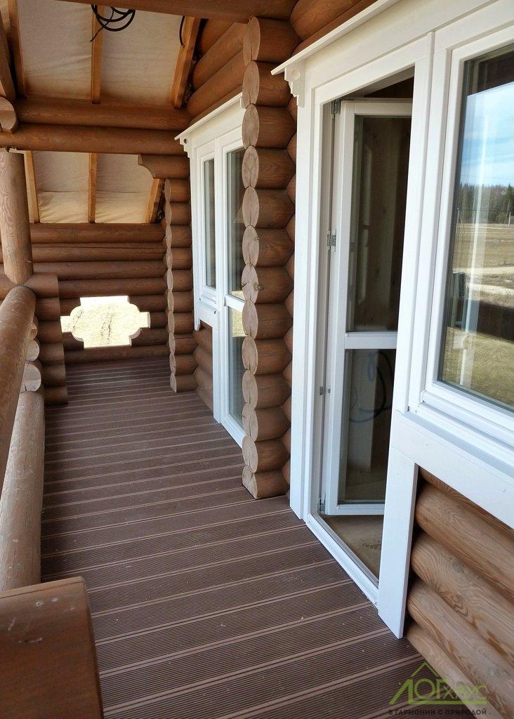 Отделка балкона деревянного бревенчатого дома