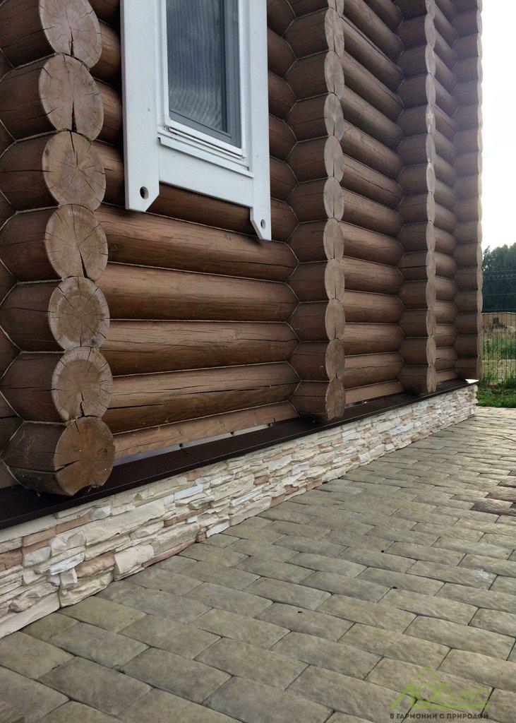 Отделка цоколя и отмостка загородного деревянного дома