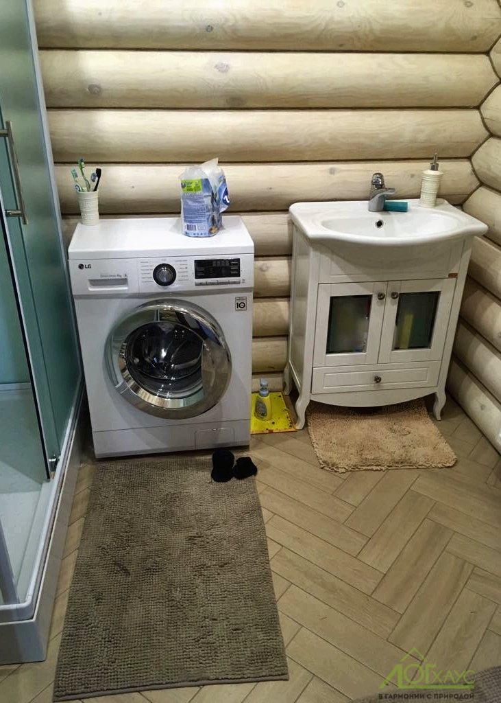 Установка сантехники с подключением в доме из бревна