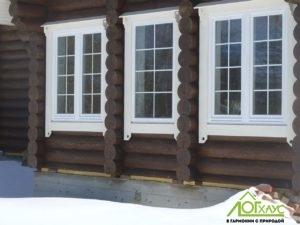 Большие окна в деревянном доме