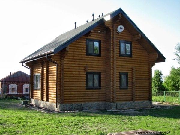 Дом из бревна с 3 спальнями