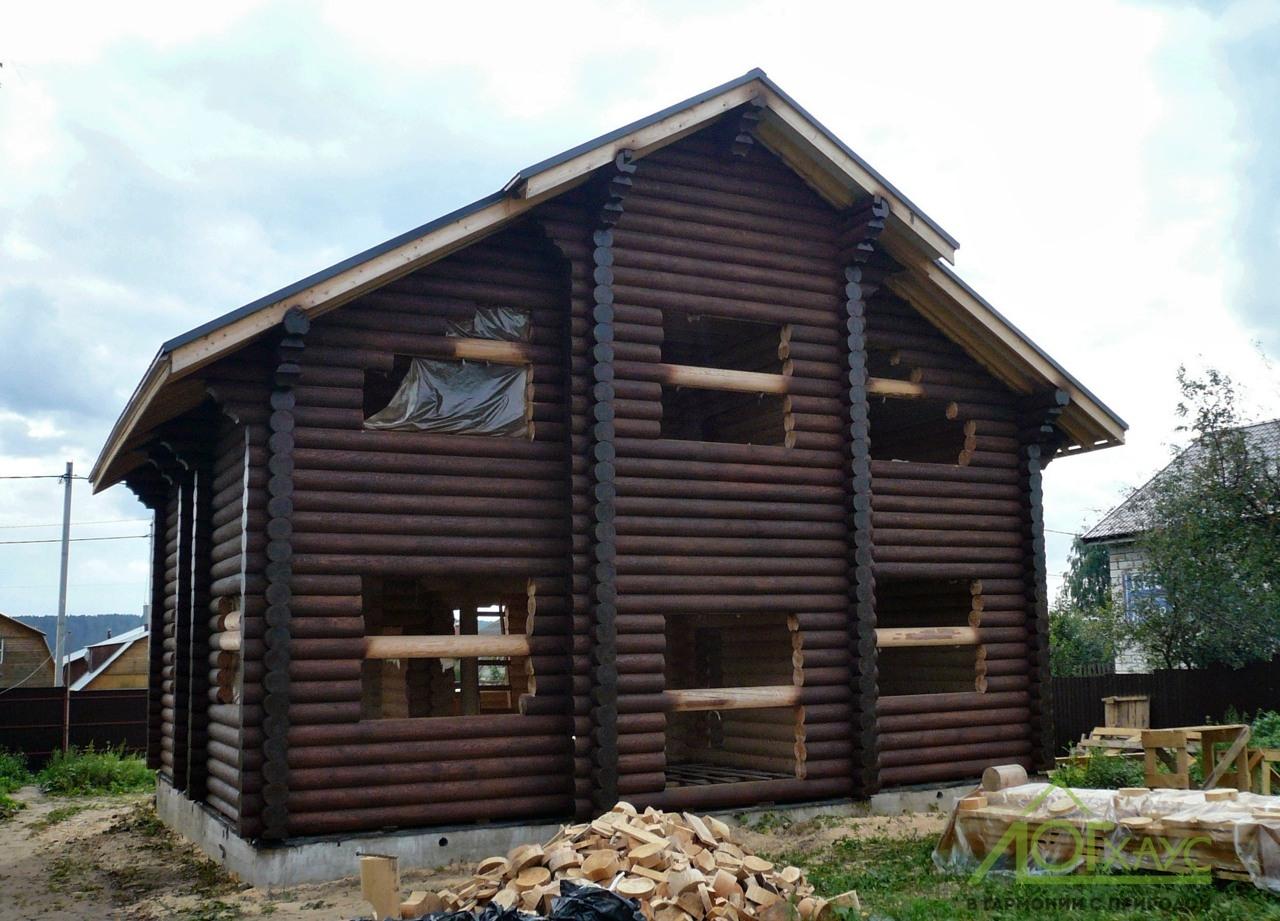 Шлифовка и покраска деревянного сруба