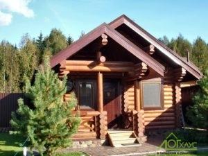 Небольшой гостевой дом из бревна