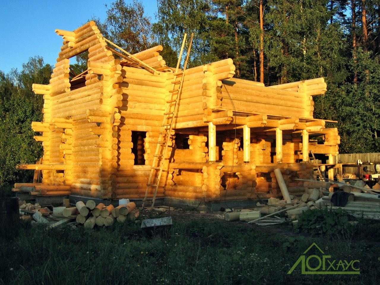 Строительство сруба дома из бревна