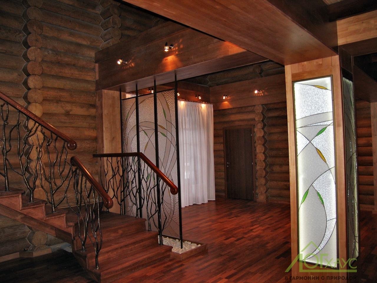 Интерьер гостиной бани из бревна