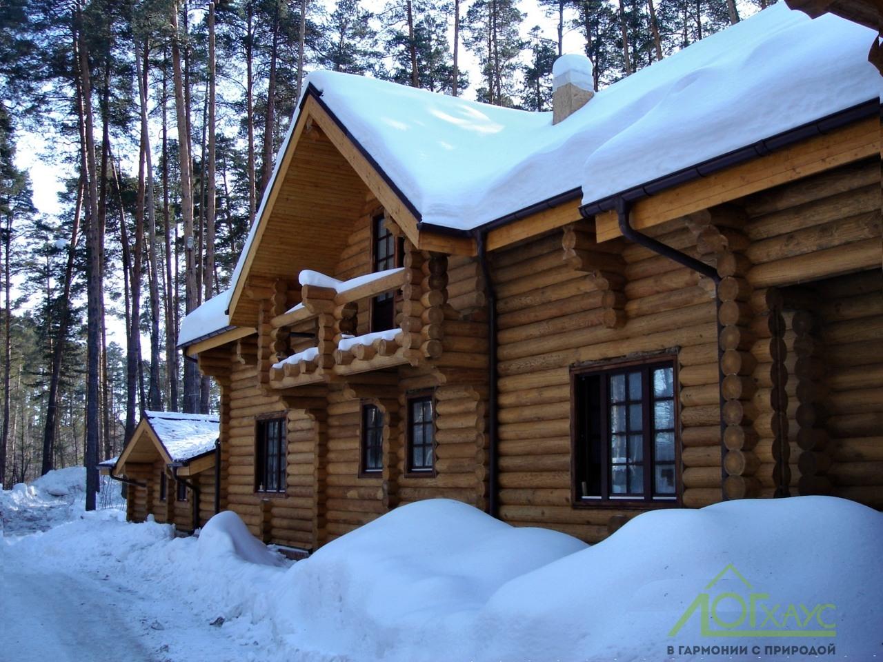 Дом из бревен для постоянного проживания