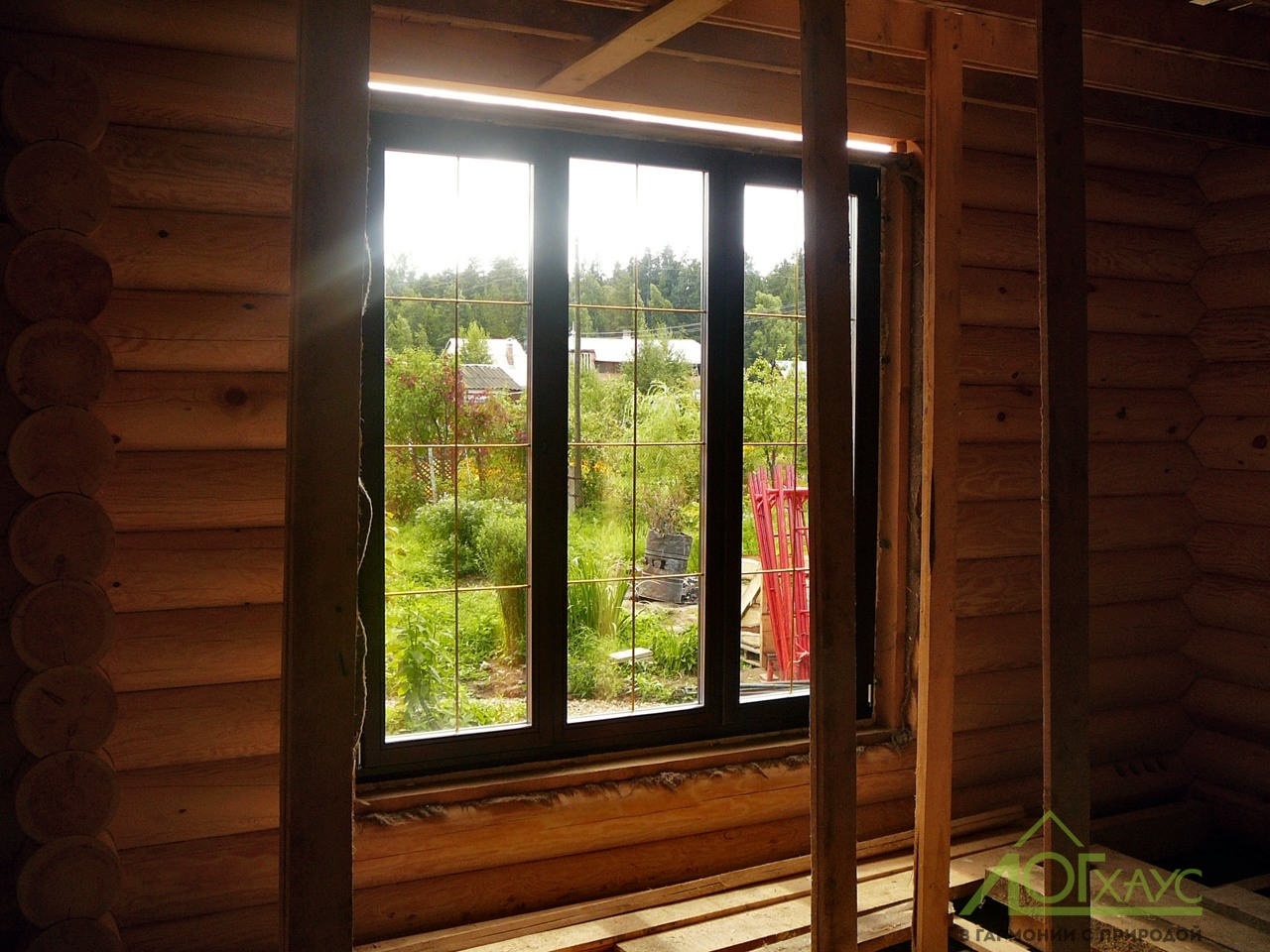 Монтаж деревянных окон в загородном доме