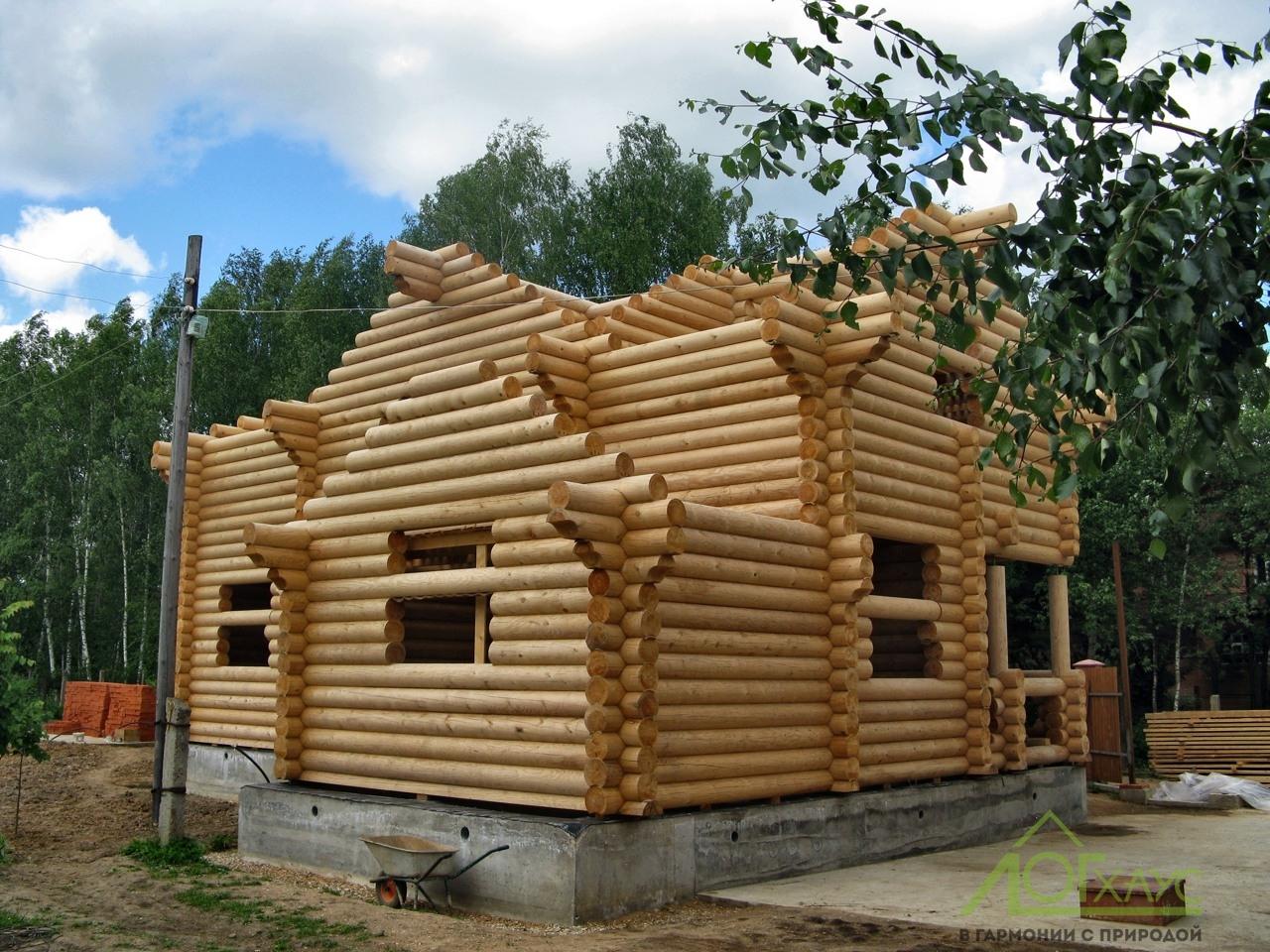 Строительство деревянного сруба из бревен