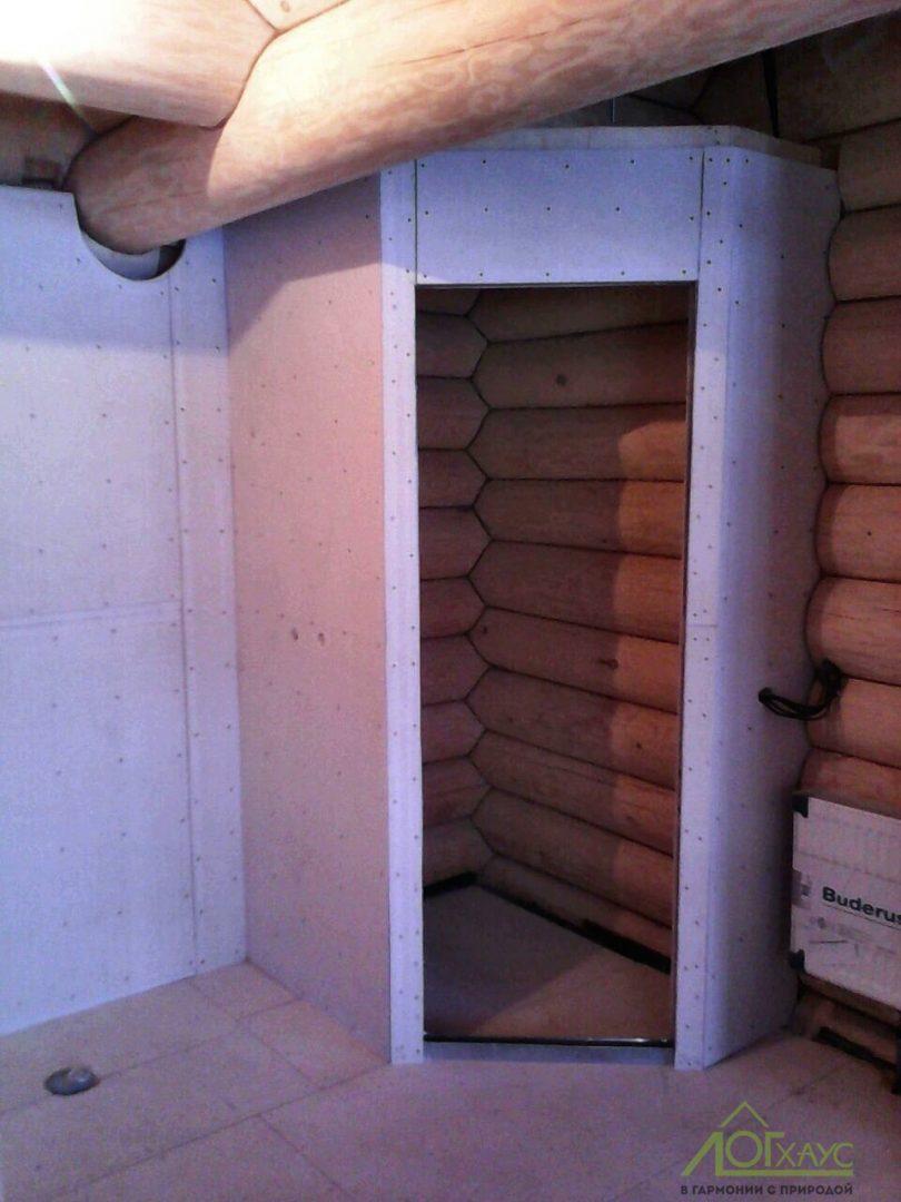 Каркасные стены в доме из бревна