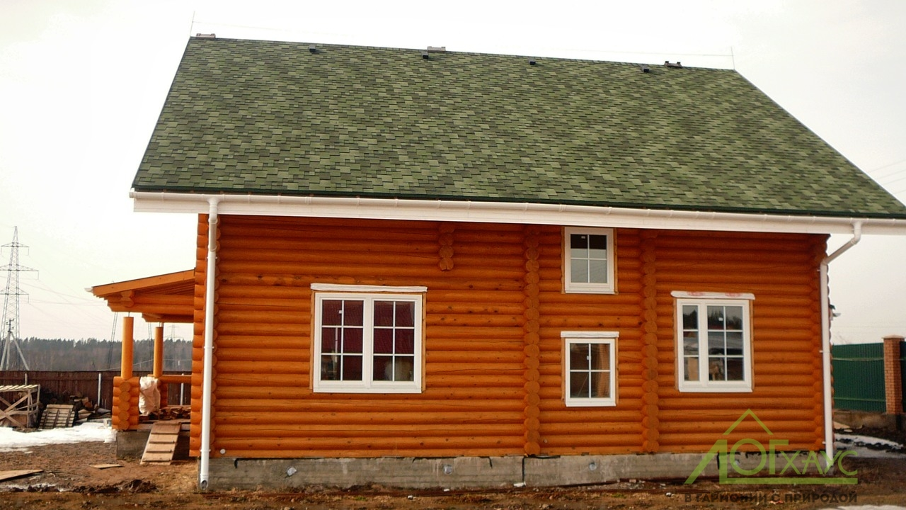 Внешняя отделка дома из бревна