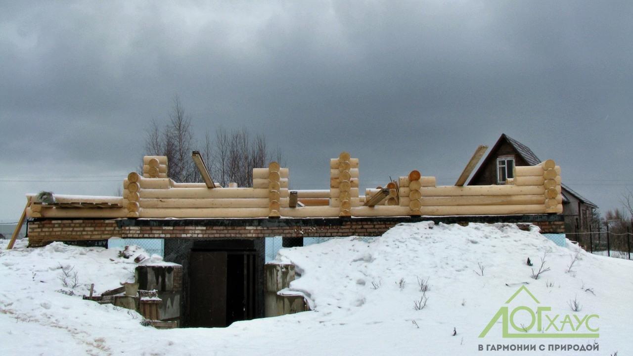 Стройка бревенчатого дома
