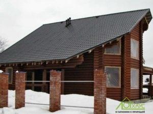 Установка окон дома из бревна