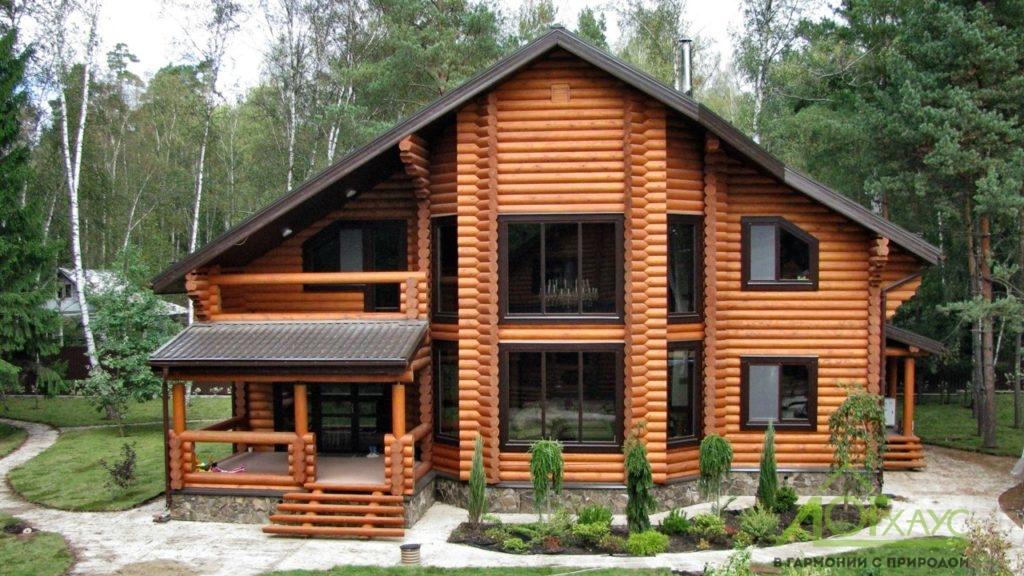 Дом с завершенной внешней отделкой
