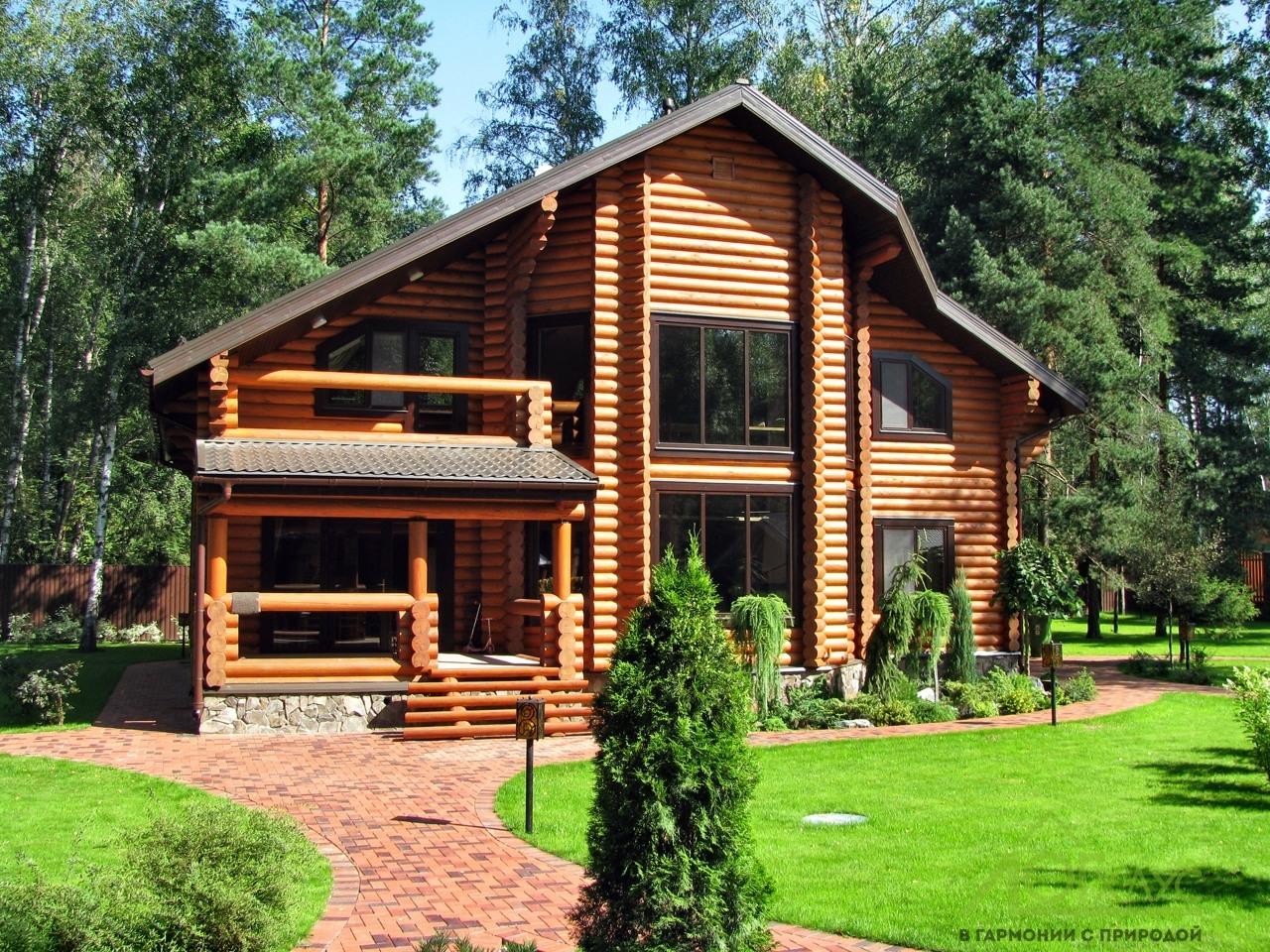 Загородный дом из бревна для постоянного проживания