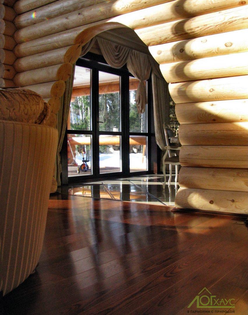 Интерьер дома из бревна