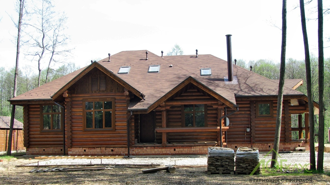 Дом из бревна с каркасной мансардой