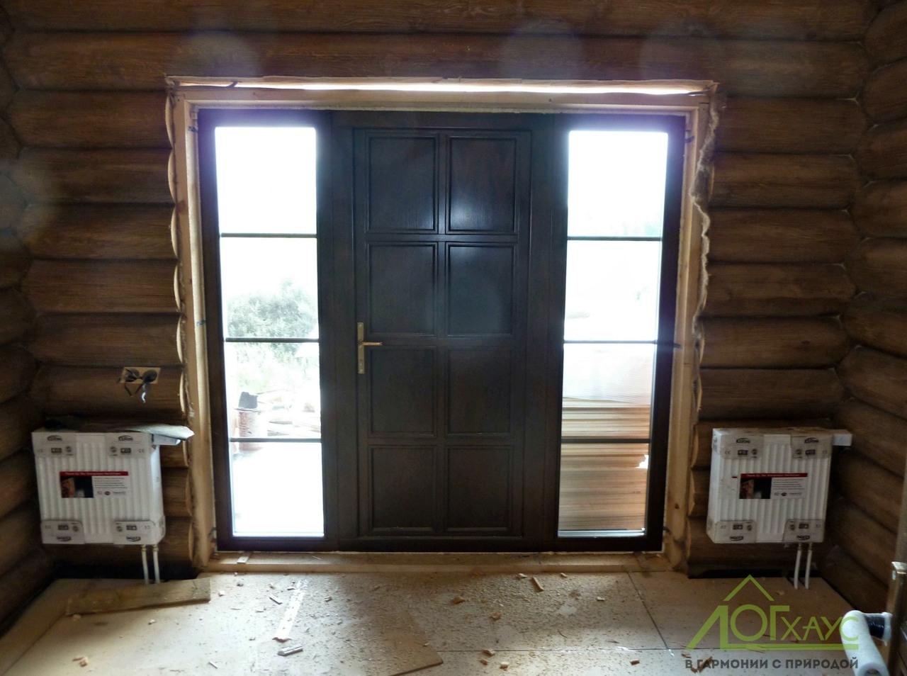 Установка входной двери загородного дома