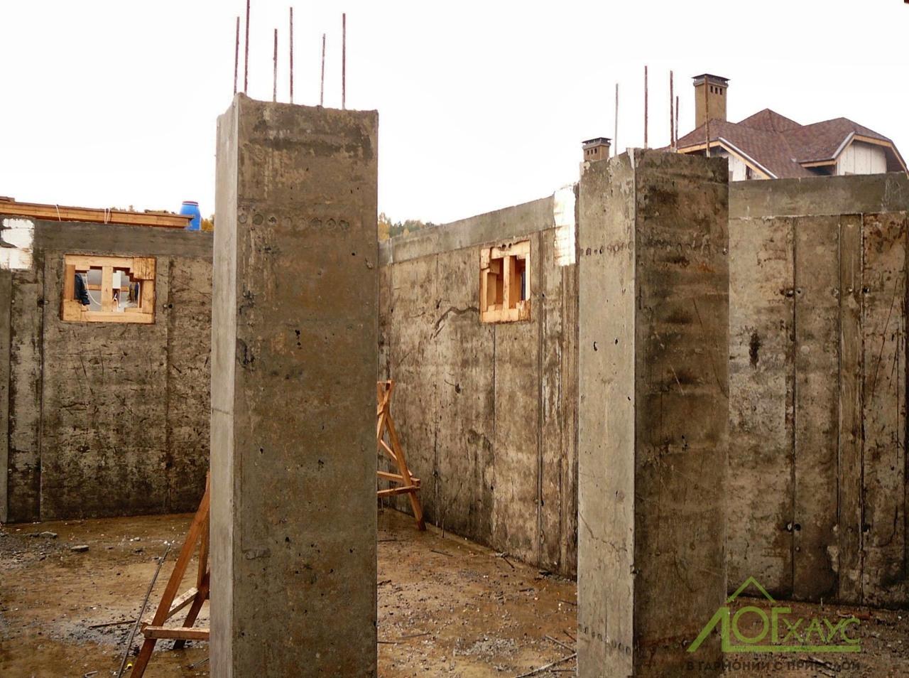 Заливка цокольного этажа бревенчатого дома
