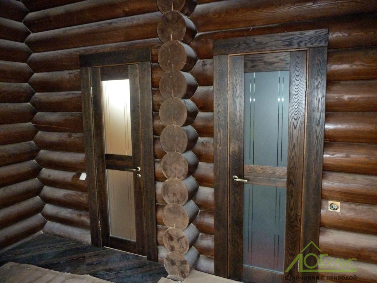 Монтаж дверей в доме из бревна