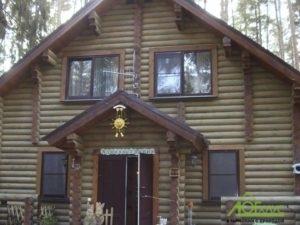 Главный дом на турбазе из бревна