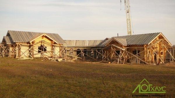 Дома из рубленного бревна по индивидуальному проекту