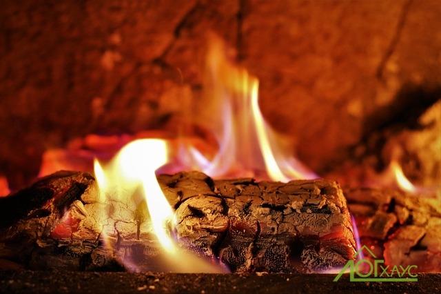 Как защитить деревянный дом от пожара
